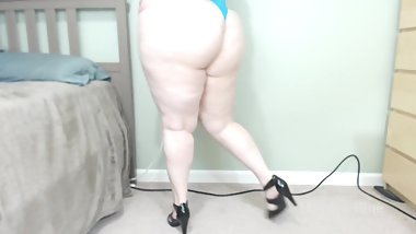 BBW PAWG Big Booty Tease In High Heels