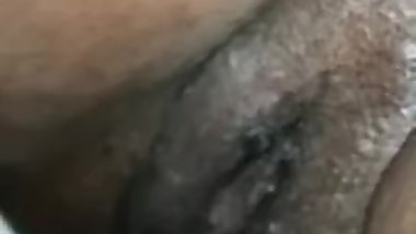 Real pussy eating orgasm