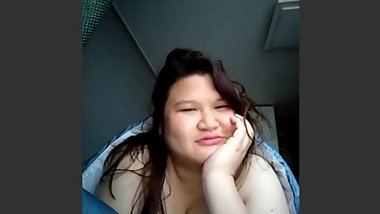 Chubby Chinese Malaysian woman Serena Lee video call during Korea trip I