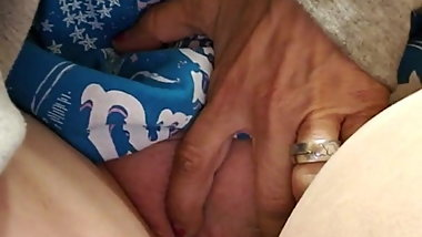a piss n tit tease vid for my gator n our truckin friend