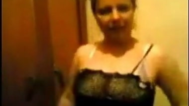 Egyptian Milf with Sexy body with lover