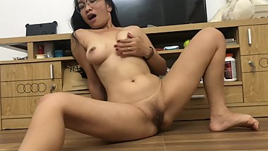 Amateur Asian Mom Fingers Pussy