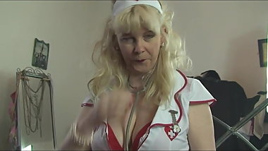 British GILF Tease her Naked body