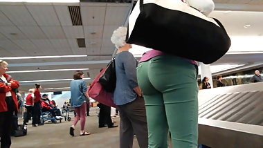 O My GILF!! What An Ass in Green!