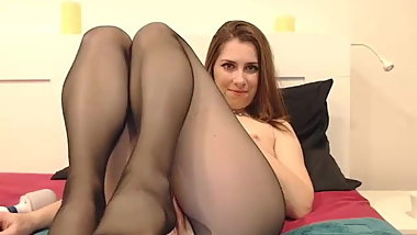 Hottie in pantyhose webcam