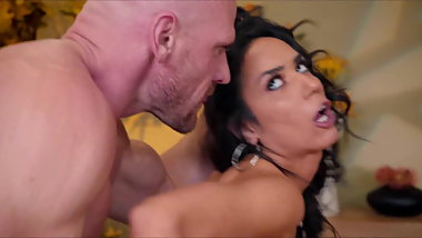 Tia Cyrus Sex At Work