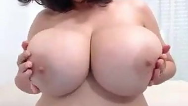 Plump busty hooker goes on webcam for the first time...